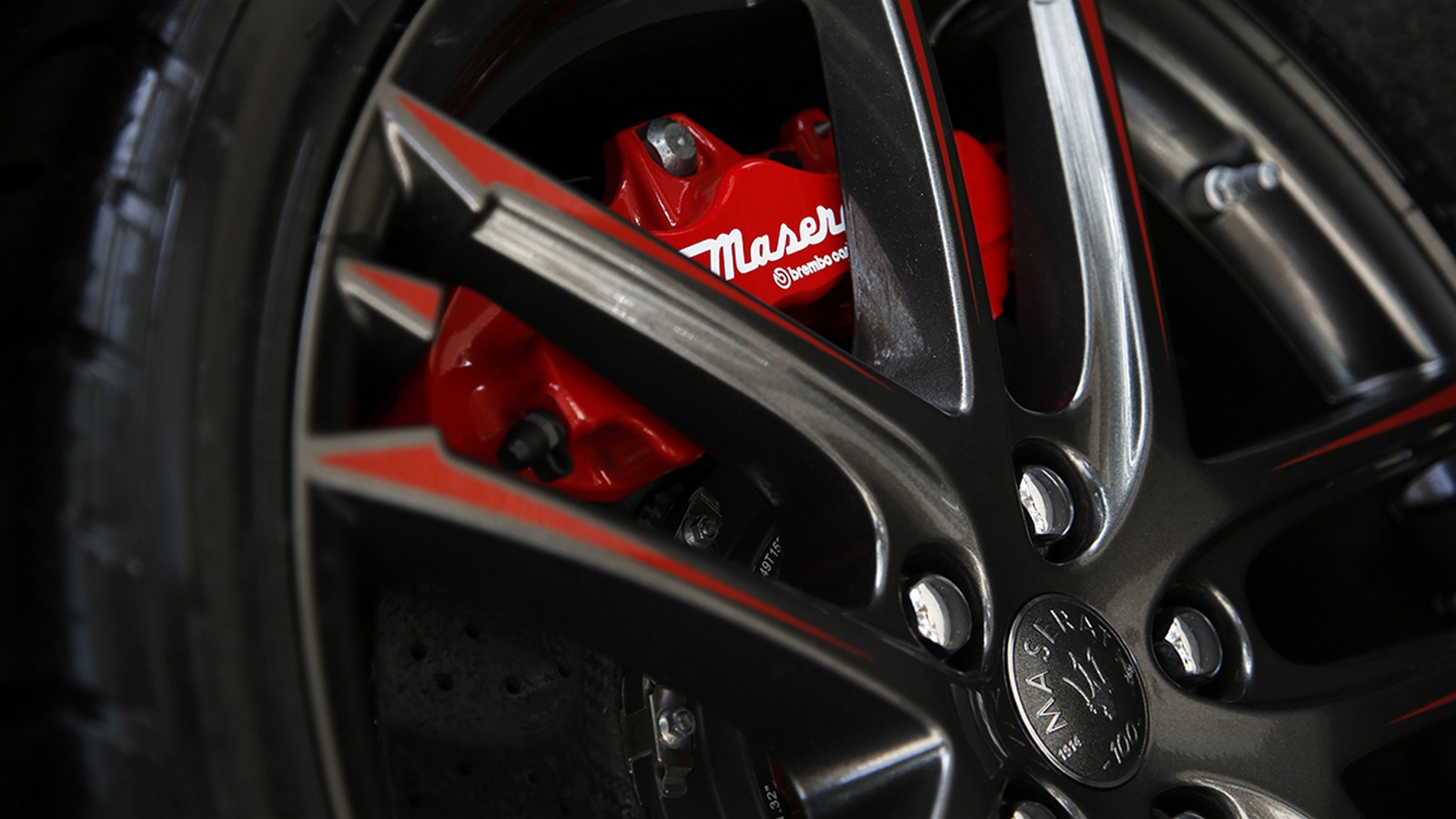 Maserati wheel close up