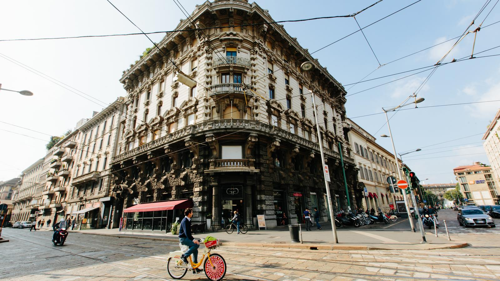 Cyclist in the streets of Milan