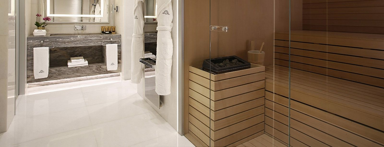 Katara Suite bathroom