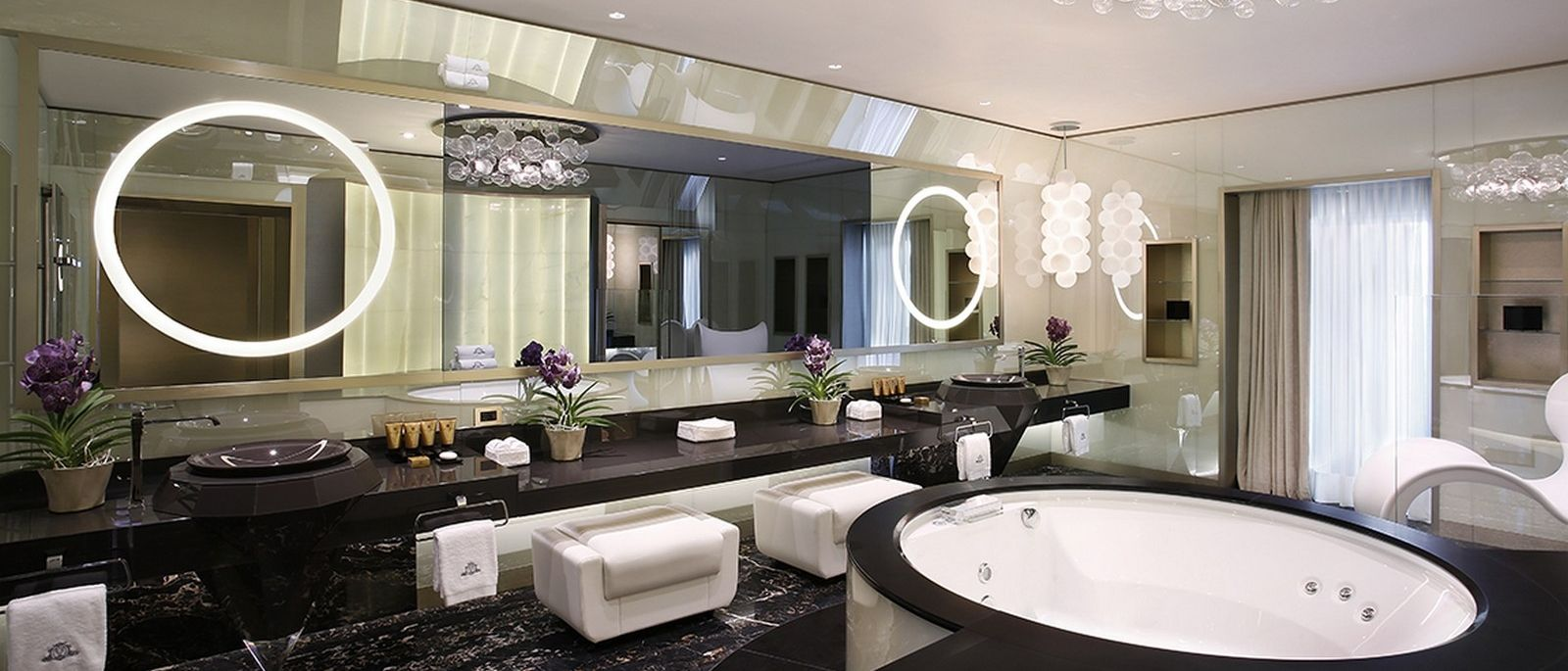 Katara Royal Suite Bathroom